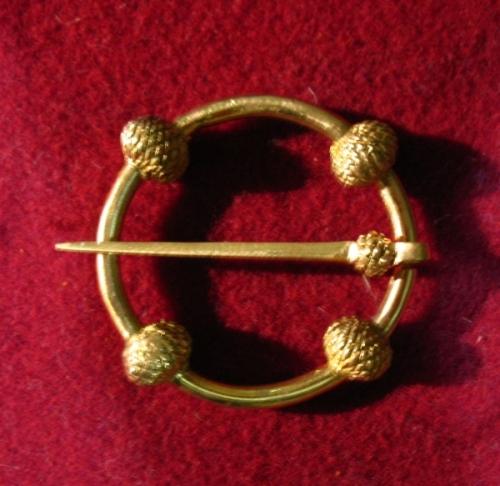 Medieval ring brooch, England EA13