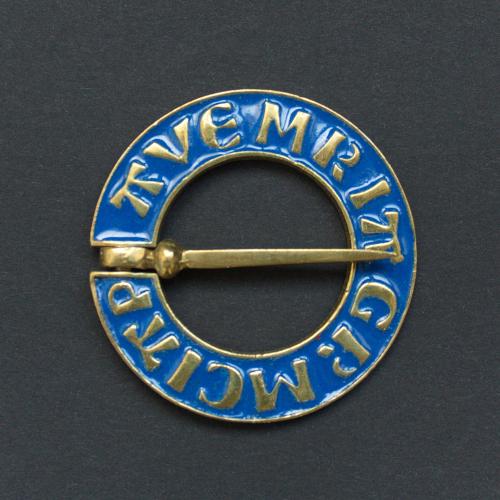 Medieval ring brooch with blue enamel, Netherlands