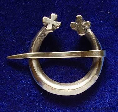 Scandinavian brooch ra04-2