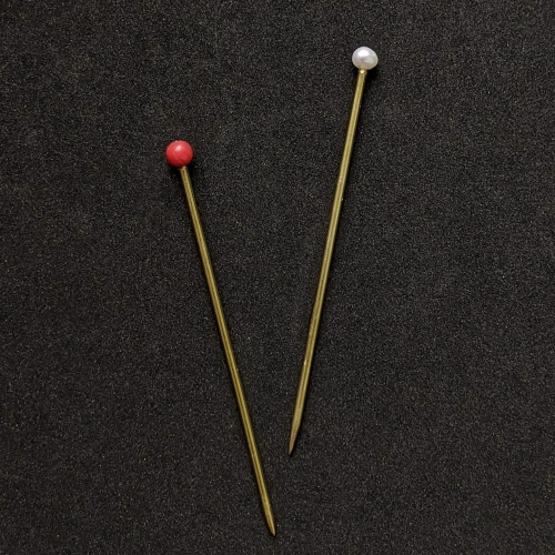 Small clothing pin with pearl or coral EB28
