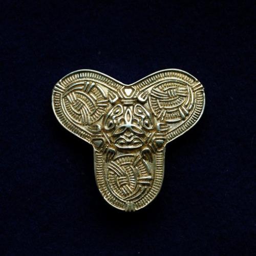 Scandinavian brooch ra06