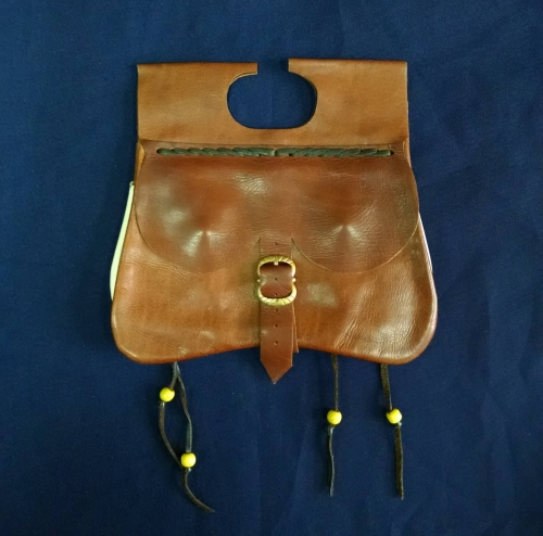 LL04 Medieval kidney pouch from Dordreht