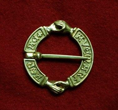 Medieval Fede brooch, Europe EA05