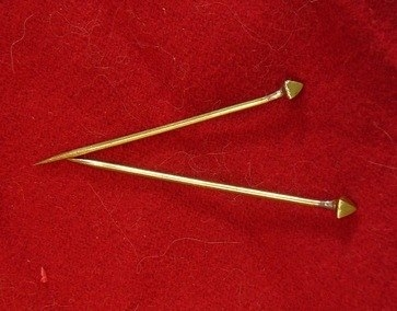 Small pin EB13