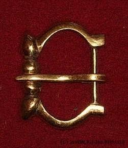Medieval buckle, England E09-3
