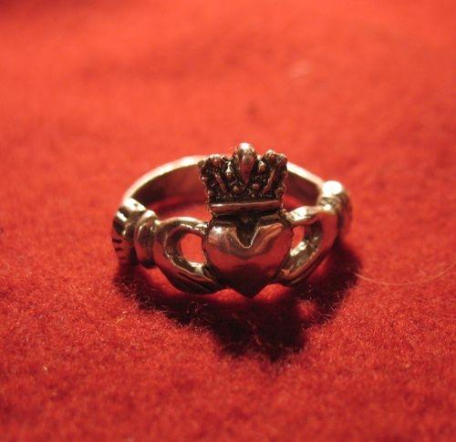 CP16 Claddagh Ring