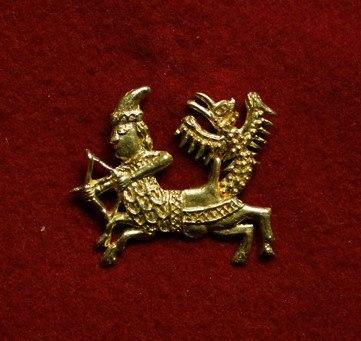 m83 Medieval piligrim badge