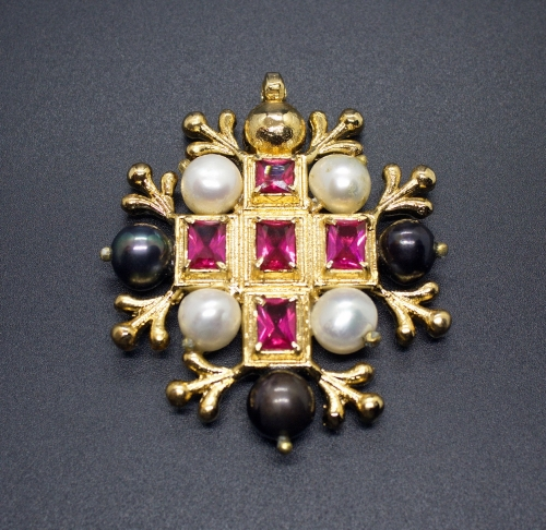 Medieval brooch from Portrait of Narr Pock, Austria ea58