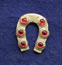 "m52  ""Horseshoe"" Medieval piligrim badge"