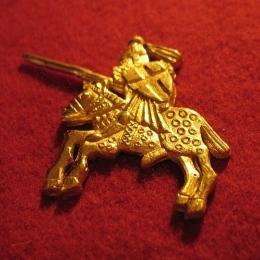 """M14 """"Knight"""" medieval piligrim badge"""