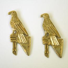 """2 x M12 """"Hawk"""" medieval pilgrim badge"""