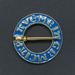 Medieval ring brooch with blue enamel, Netherlands