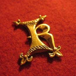 "M09 ""K"" medieval piligrim badge"