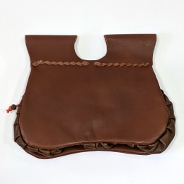 Medieval kidney pouch with pouchlets