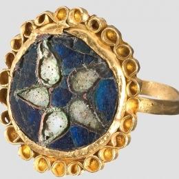 Carolingian ring with enamel