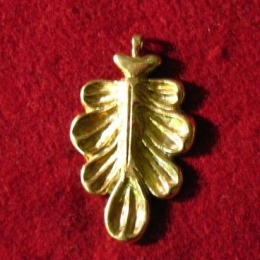 Brass oak leaf pendant EP09
