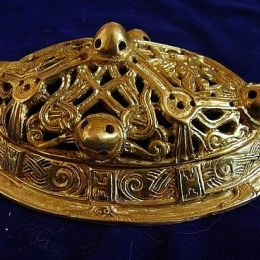 Viking female oval brooch  ra05