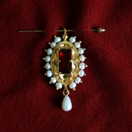 Burgundian brooch-pendant ea50