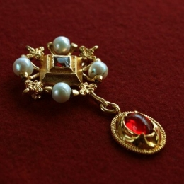 Renaissance Brooch ea45 by ArmourAndCastings