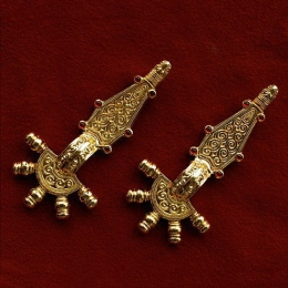 Migration period bow brooch RA31