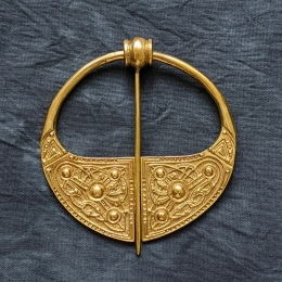 Celtic penannular broosh ra13