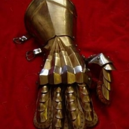 Gothic Fingered gauntlets with plain cuff lamellar fingered