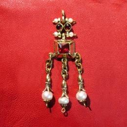 Medieval brooch-pendant EA16