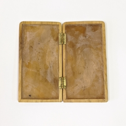 Medieval kidney pouch from Dordrecht with wax tablet