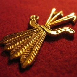 "M16 ""Arrows"" medieval piligrim badge"