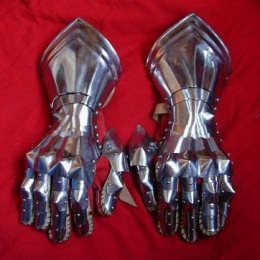 Gothic Fingered gauntlets joint fingered