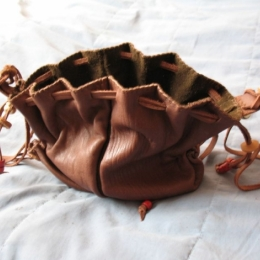LL09 leather purse