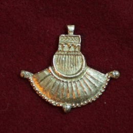 m79 Medieval piligrim badge