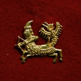 m83 Medieval piligrim badge
