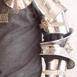 High gotik articulated arms