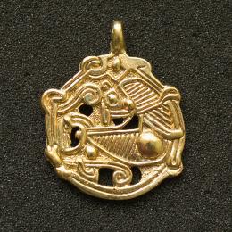 Zoomorphic Viking pendant p51