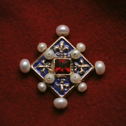 Brooches EA19