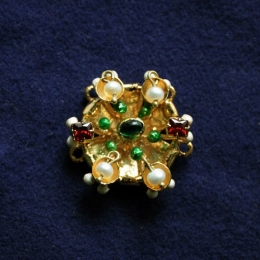 Brooches EA37