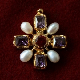 Late medieval Cross pendant EA52
