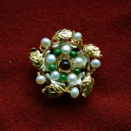 Brooches EA34