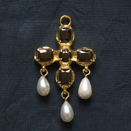 Late medieval Cross pendant EA53 by ArmourAndCastings